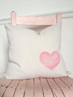 Pink Heart Pillow Cover by MySwallowsNest on Etsy #valentines #heart #pink #houndstooth