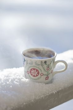 Untitled Hot coffee for a Winter's Day Gift ideas: Christmas is coming Christmas or the Christ festival, the Event of lights, the. Sweet Coffee, Hot Coffee, Coffee Break, Coffee Time, Drink Coffee, Tea Time, Winter Fairy, Winter Garden, Winter Love