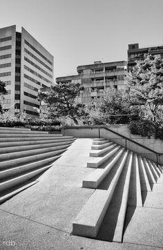 Pin Veredas Arquitetura --- www.veredas.arq.br --- Inspiração:  https://flic.kr/p/aokV3r | Venetian Stairs