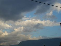 Day 11: Something blue - Blue appears after the rain - Medellín's sky