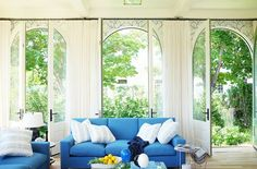 Be inspired by five stunning sunrooms. Also, I included an inspiration board with links and sources to fill your own sunny indoor space.