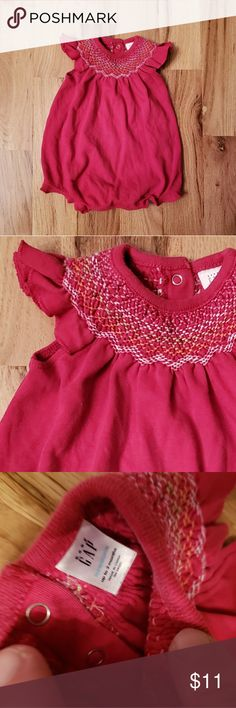 bc6748839d09 Baby GAP Girl s Smocked Romper Excellent used condition. Sweet bubble romper  with multicolored stitch smocking