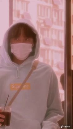 crdts to the owner  @/perfectglowing Bts Video, Jhope, Hoodies, My Style, Fashion, Moda, Sweatshirts, La Mode, Hoodie