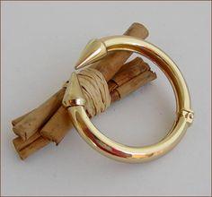 Gold woman bracelet bangle bracelet acier chic pointe Bangle Bracelets, Bangles, Woman, Chic, Gold, Jewelry, Arm Warmers, Steel, Bracelets