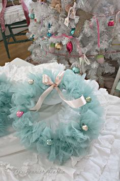 Shabby & Chic Christmas to go with the tulle Christmas tree skirt