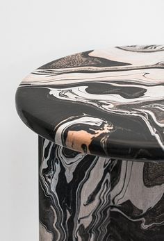 Handmade marble-effect stools by Ferréol Babin - cate st hill Marble Furniture, French Furniture, Furniture Decor, Modern Furniture, Furniture Design, Table Design, Marble Effect, Vase, Textures Patterns