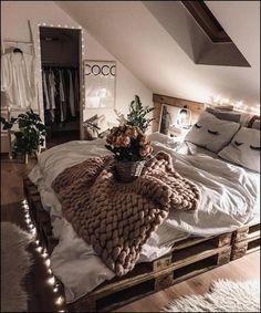 Rustic Bedroom Ideas - 25 Rustic Bedroom Layouts as well as Decoration Ideas for . - Rustic Bedroom Ideas – 25 Rustic Bedroom Layouts plus Decoration Ideas for… – Wood DIY Ideas - Cute Bedroom Ideas, Cute Room Decor, Room Ideas Bedroom, Bedroom Layouts, Home Bedroom, Bedroom Inspo, Wood Room Ideas, Comfy Room Ideas, Bedroom Ideas For Small Rooms Cozy