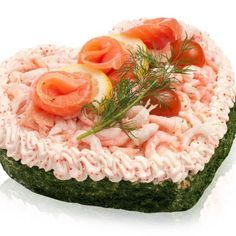 hjarta-1 Luncheon Recipes, Sandwich Torte, Savory Cheesecake, Norwegian Food, Brunch Buffet, Swedish Recipes, Food Decoration, Savoury Cake, Food Design