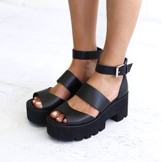windsor smith Puffy platform sandals black.... #PlatformSandals