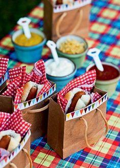 tellastella / Tella S Tella Hot Dog Bar, Holiday Fun, Holiday Decor, Farm Party, Ideas Para Fiestas, Baby Decor, Perfect Party, Party Gifts, Party Planning