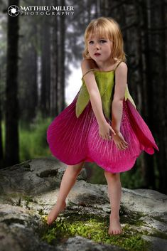 La mode Léa by Matthieu Miller – Photo 123309333 / - Kids costumes Costume Fleur, Fairy Costume For Girl, Fairy Costumes For Kids, Flower Costume, Fantasias Halloween, Fairy Clothes, Baby Costumes, Children Costumes, Fairy Dress