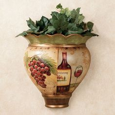Inspired by wine wall decoration - love the warm colors on the vase ;)