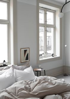 3 Discover Cool Tricks: Industrial Minimalist Interior Clothing Racks minimalist home architecture interiors.Minimalist Bedroom Ideas Posts minimalist home plans beds.Warm Minimalist Home Grey. Cozy Small Bedrooms, Small Bedroom Designs, Luxurious Bedrooms, Trendy Bedroom, Modern Bedroom, Bedroom Romantic, Contemporary Bedroom, Small Rooms, Modern Contemporary