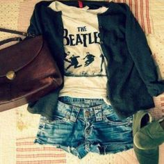 Perfect comfy & cute outfit not to mention The Beatles shirt;)