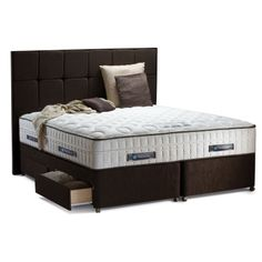 The top of the range Sealy Lombardo has the highest specification of any of the Sealy mattresses. The Lombardo mattress combines 1200 pocket springs with a further 1200 mini pocket springs on top for a zonal support system that helps to reduce aches and pains by keeping the spine in alignment.