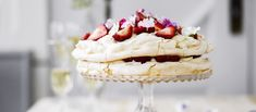 Pavlova Cake, Sugar Paste, Cake Pans, Quick Easy Meals, Vanilla Cake, Icing, Cheesecake, Food And Drink, Dishes