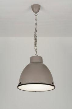 Artikel 71831 Hanglamp in trendkleur taupe. https://www.rietveldlicht.nl/artikel/hanglamp-71831-industrie-look-taupe-aluminium-rond