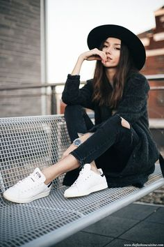Ripped Jeans & Stan Smith | The fashion cuisine | Bloglovin'