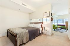 Buyer review in North Sydney: This is the first time that I have bought and I have been completely at ease with Cathe...