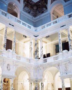Oh Vienna! Heute habe ich das neue weltmuseumwien besucht! Ichhellip Design Museum, Art Museum, Vienna Museum, Visit Austria, Digital Museum, Lovers Art, Foyer, Winter, Travel Inspiration