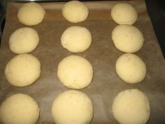 Bread Recipes, Hamburger, Food And Drink, Gluten Free, Eggs, Baking, Breakfast, Cook, Sin Gluten
