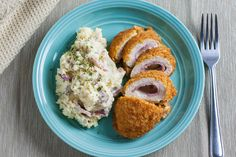 The delicious taste of crispy chicken, ham and cheese with an addition creamy flavor of garlic mashed potatoes! Slow Cooked Chicken, How To Cook Chicken, Baked Chicken, Chicken Ham, Crispy Chicken, Chicken Kiev Recipe, Chicken Recipes, Incredible Recipes, Amazing