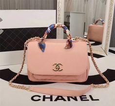 Offrez-vous votre prochain sac Chanel sur Leasy Luxe // www.leasyluxe.com #chanel #pink #leasyluxe