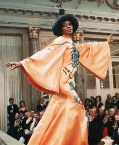 "Diana Ross in ""Mahogany. Diana Ross Style, Black Girls, Black Women, Billy Dee Williams, Tracee Ellis Ross, Diva Design, Vintage Black Glamour, Black Girl Aesthetic, Fashion Books"