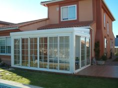 jaw dropping small patio with glass walls to copy ideas – Small Balcony Decor Ideas Casa Patio, Patio Roof, Pergola Patio, Small Balcony Decor, Small Patio, Home Room Design, House Design, Carport Plans, Sunroom Addition