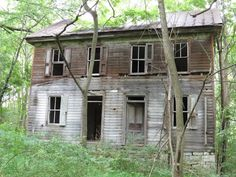 I always wonder about the history of abandoned buildings. This could have been a home, a schoolhouse, ...