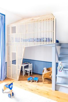 Blue kids room with bunk bed design Baby Room Design, Baby Room Decor, Mezzanine Design, Kids Bunk Beds, Loft Beds, Kid Spaces, Small Spaces, Play Spaces, Kids Furniture