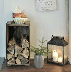Log, fir and candles