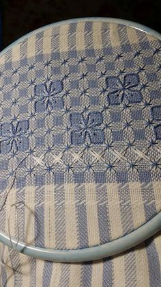 Chicken Scratch, Broderie Suisse, Swiss embroidery, Bordado espanol, Stof veranderen.