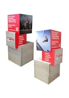 4926-1-4-1 Red Bull display cartón Totem Cubos