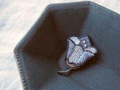 petit flower 刺繍 ブローチ no.9の画像1枚目