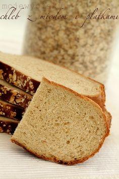 Chleb z miodem i płatkami owsianymi