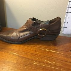 Nicole brown leather ankle boots Nicole brown leather ankle boots, size 9M Nicole Shoes Ankle Boots & Booties