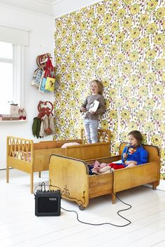 Every time we decorate a kids' room, we use to think about furniture first but what about turning walls into the focus of attention? This is what has happened in these funny and creative kids' rooms. XL walls decorated in a charming way with different wallpapersfor both kids and adults. Now, the secret is in […]