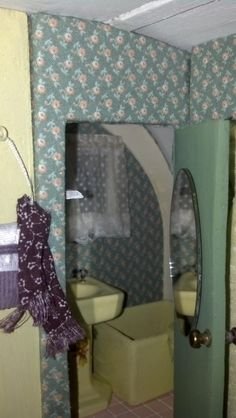 FabulousRefurbs.com - Corona Dollhouse Camper Kit.