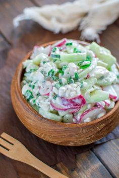 This is a healthy combination of refreshing cucumbers, crunchy radishes and creamy cottage cheese. This is a MUST TRY salad recipe this summer!