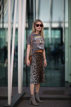 Leopard print skirt x