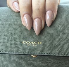 Think I have a thing for nude stiletto nails.. Love this
