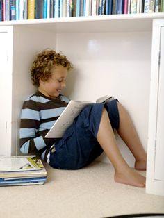 Çocuğunuz okumayı sevmiyor mu? Birçok ebeveynle aynı sorunu yaşıyorsunuz, merak etmeyin. Sorununuz çözümsüz değil; sadece biraz özveride bulunmanız yeterli.Öncelikle kabul edin; kızınız ya da oğlu…