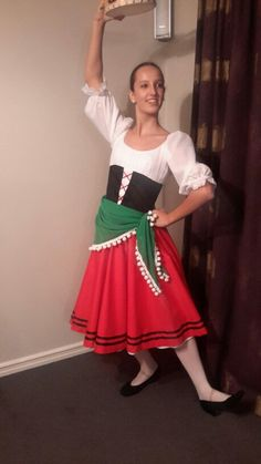 Tarantella costume Girl Costumes, Dance Costumes, Italian Party Decorations, Italy Party, Fancy Dress, Dress Up, Italian Theme, Culture Clothing, Thinking Day