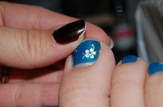 toe nails art designs