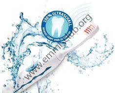 """Zahnärzte setzen Ultraschall bereits seit vielen Jahren sehr erfolgreich bei der professionellen Zahnreinigung ein. Dabei wird ein """"harter"""" Ultraschall (niedrige Frequenz, hohe Leistung) mit einer Metallspitze als Übertragungsmedium verwendet. Jetzt kann sich die Mikro-Technologie mit  Ultraschall  mit Borsten und einer speziellen Zahncreme als Übertragungsmedium erstmals auch jeder Bundesbürger für die tägliche Zahnpflege, Prophylaxe und Therapie zuhause leisten…"""