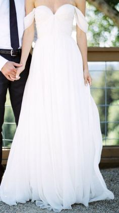 Wedding dress idea; Featured Photographer: Ashley Slater Photography