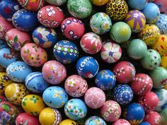 Easter Children's Activity in Sitges, Barcelona Easter's eggs decoration workshop on March 28, 2015 This activity is for children between 4 to 13 year's old and it is organized by Sitges Museums. It will take place in Saló Blau, the blue room, in the beautiful Palau Maricel. Date: March 28, 2015 at 5.00pm Entrance: 4€ and you need to call +34 93 894 03 64 to book in advance. We recommend you to check our previous post about Palau Maricel if you want to know more about it's history…