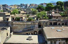 Excavaciones de la antigua ciudad romana de Herculano cerca de Nápoles