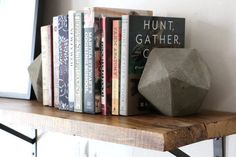 Concrete_Bookends_eHow